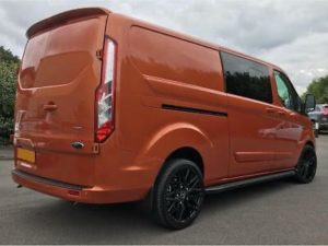 Ford Transit Custom 320 170ps Limited L2 Lwb DCIV Double Cab in Van Crew Q Sport 4 by Quadrant Vehicles